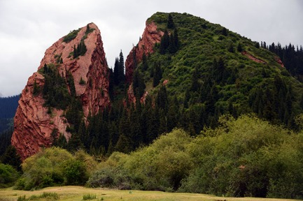Jeti-Oguz Rocks 3