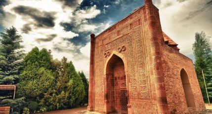 Shah-Fazil Mausoleum 2
